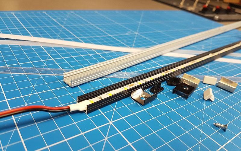 Installer le profilé aluminium LED SLIM