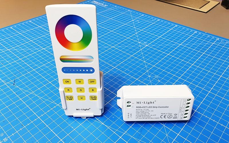 Connecter et utiliser le contrôleur LED RGB+CCT RF