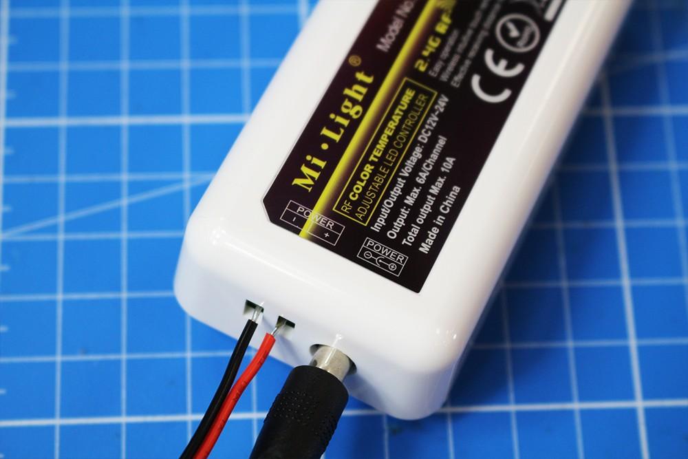 Raccorder et utiliser le contrôleur LED CCT multizones