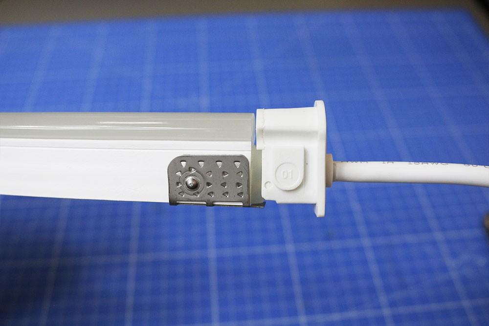 Couper et raccorder un néon LED BULBE mono-couleur