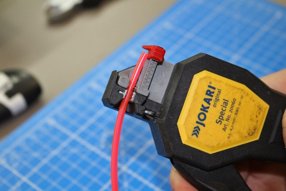 Couper et raccorder un néon électroluminescent