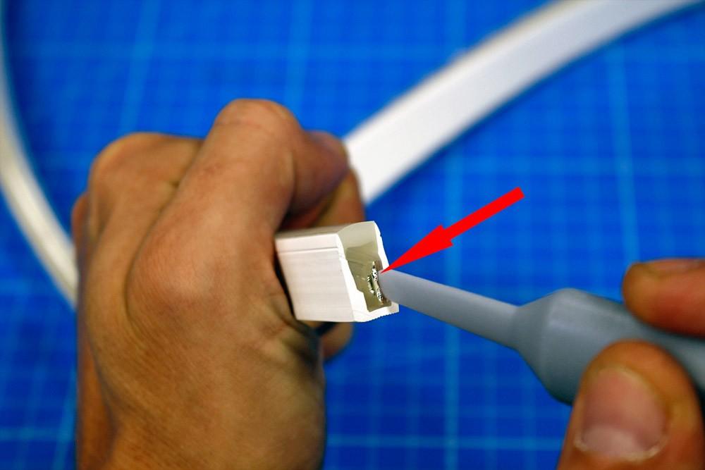 Couper et raccorder un néon LED SLIM mono couleur