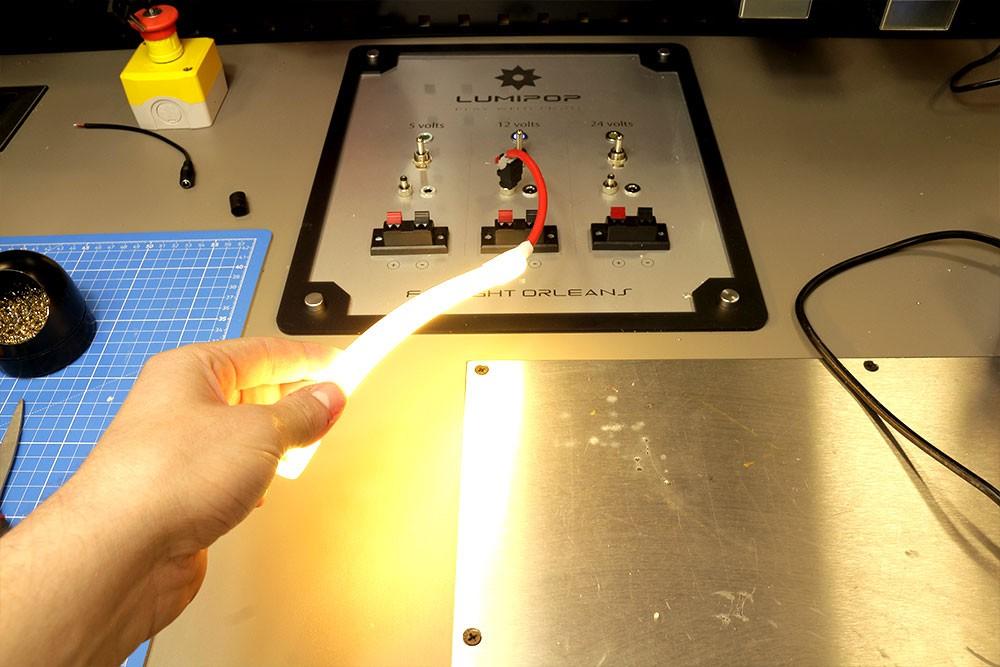 Couper et raccorder un ruban LED néon