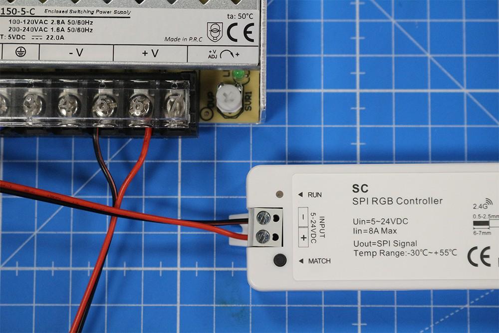 Raccorder et utiliser le contrôleur LED PIXEL radiofréquence