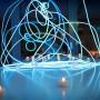 Une lampe décorative réalisée avec du fil lumineux 3D LumiPop