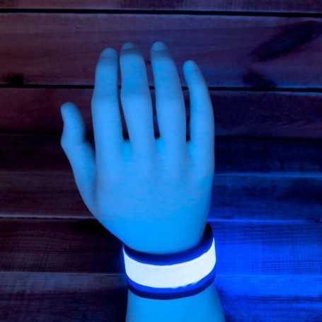 Bracelet LED lumineux bleu idéal en soirée ou pour faire un jogging