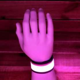 Bracelet lumineux rose à claquer pour soirées animées