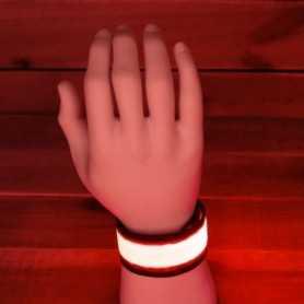 Bracelet lumineux LED rouge pour être vu en courant le soir