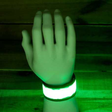 Bracelet LED fluo vert pour pratique sportive et événementiel