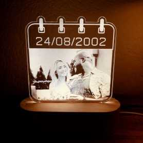 Lampe photo Plexilight LOVE DATE sur socle ovale en bois