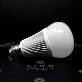 Ampoule LED connectée RGB+CCT E27 9W gamme LumiConnect