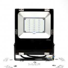 Spot LED connecté étanche RGB+CCT 30W 220V gamme LumiConnect