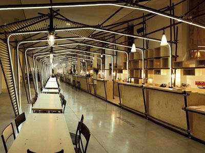 La Pancée à Montpellier. Néon LED dans les Arches